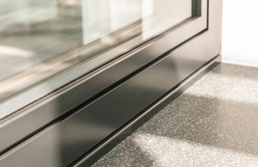 Flächenbündiges Fenster