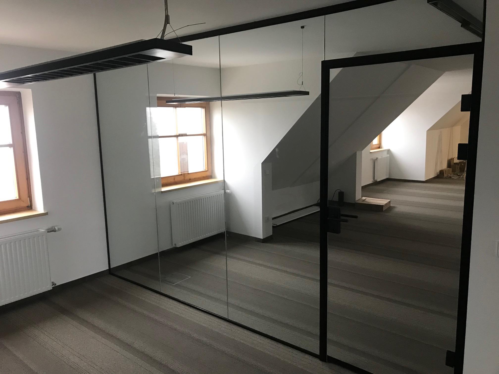 Glastrennwand Innenbereich für neues Büro