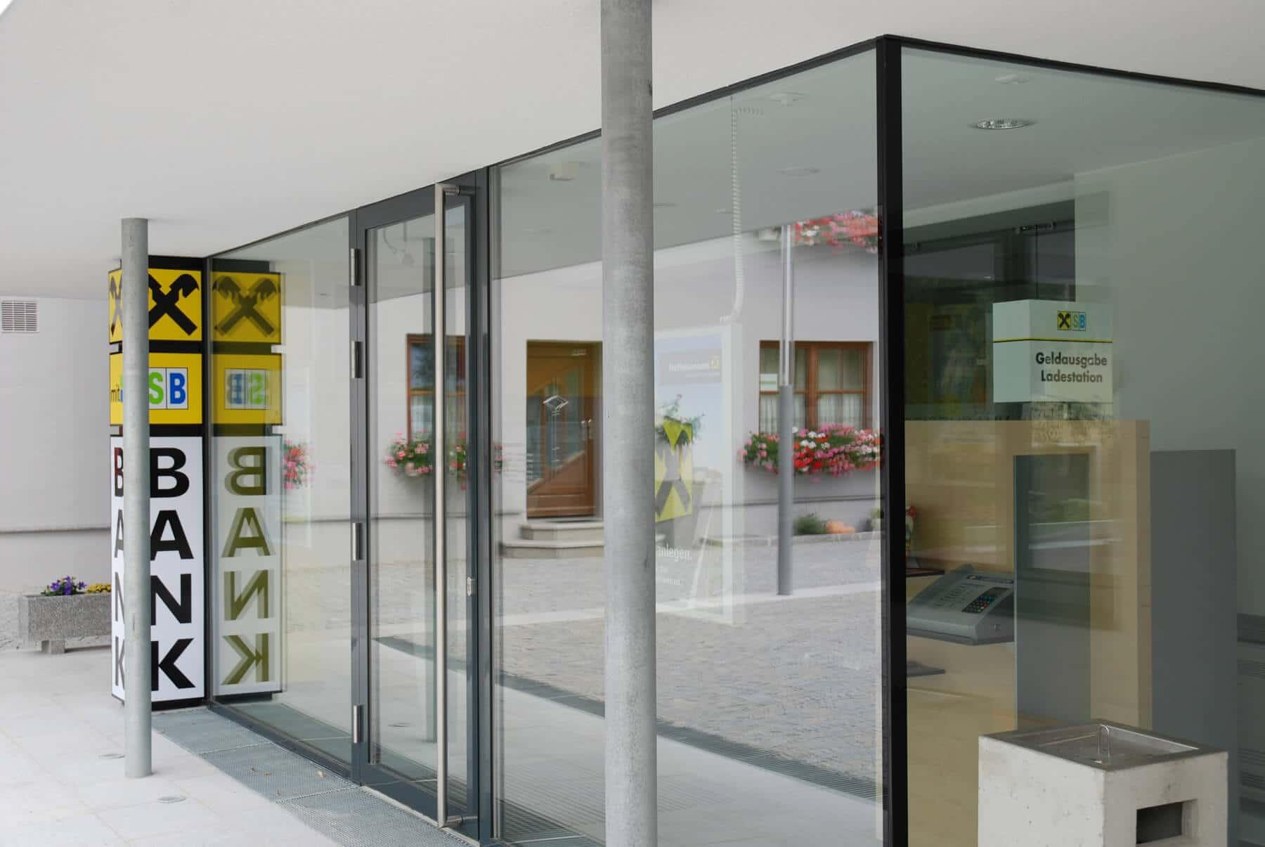Aluminium Eingangstüre für Firmengebäude