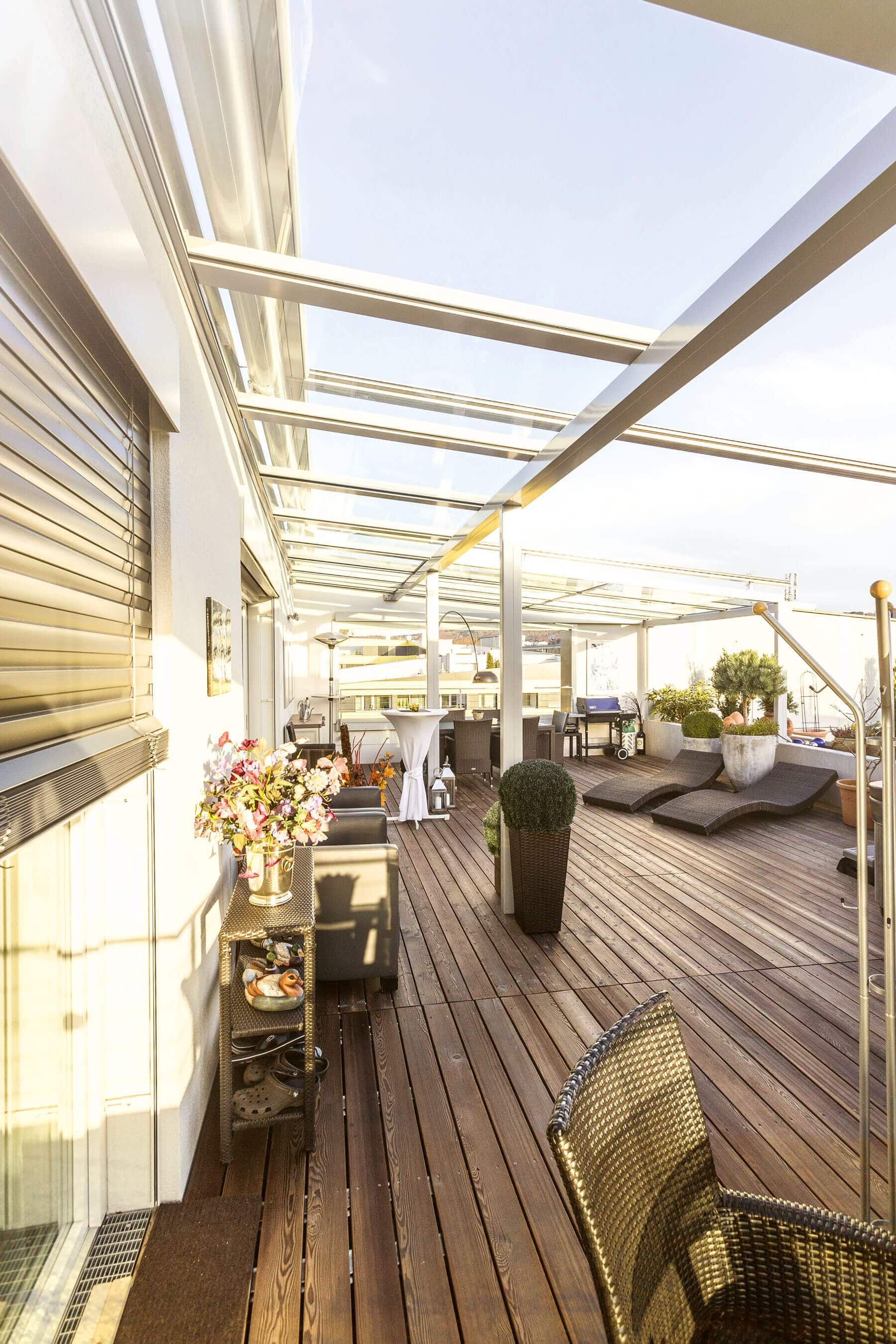 Windschutz für Balkon Wohnraumerweiterung mit Kunststoff Fenster