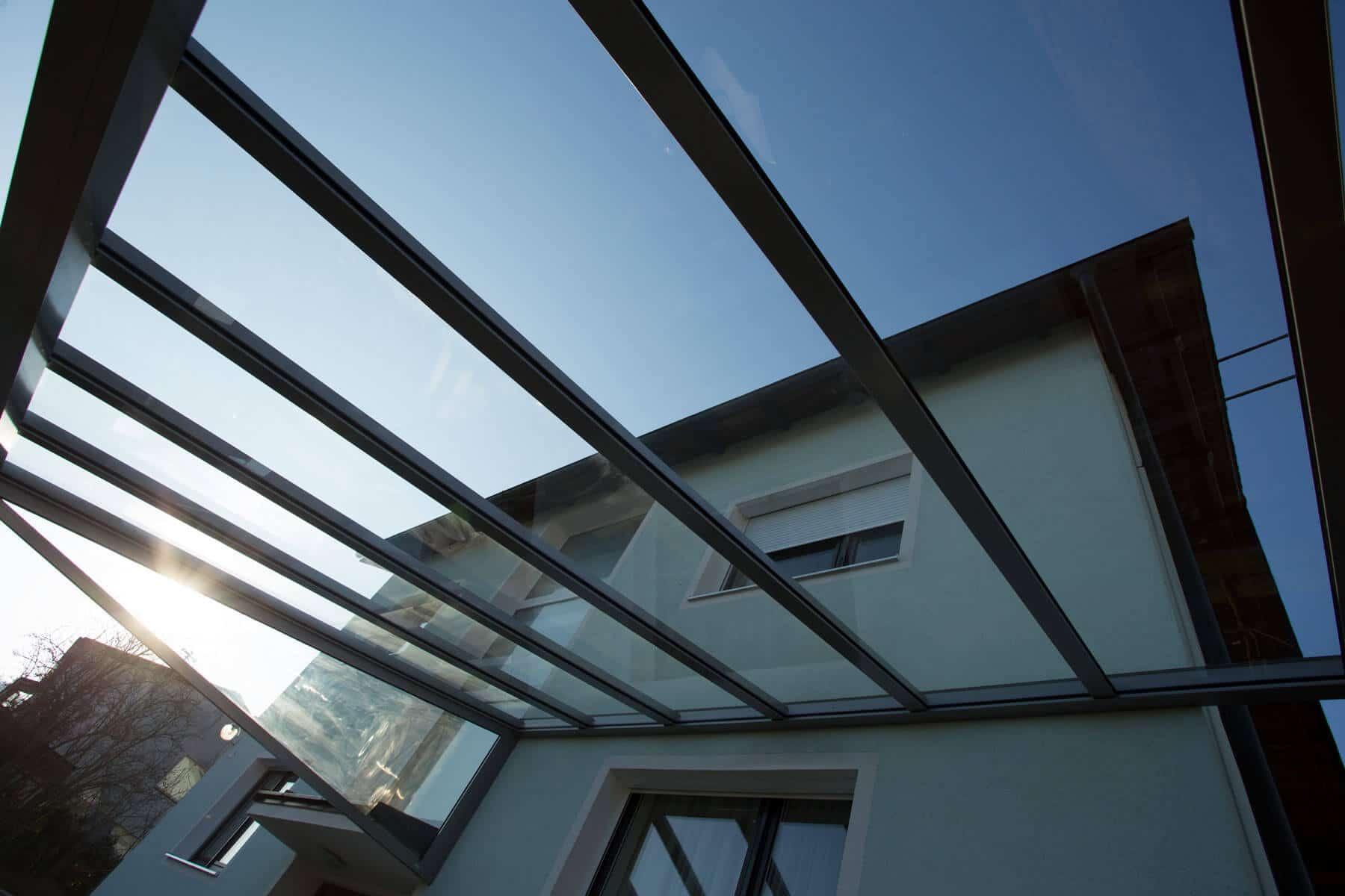 Aluminium-Glasüberdachung