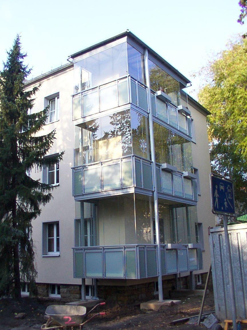 Balkon mit Glas verkleiden