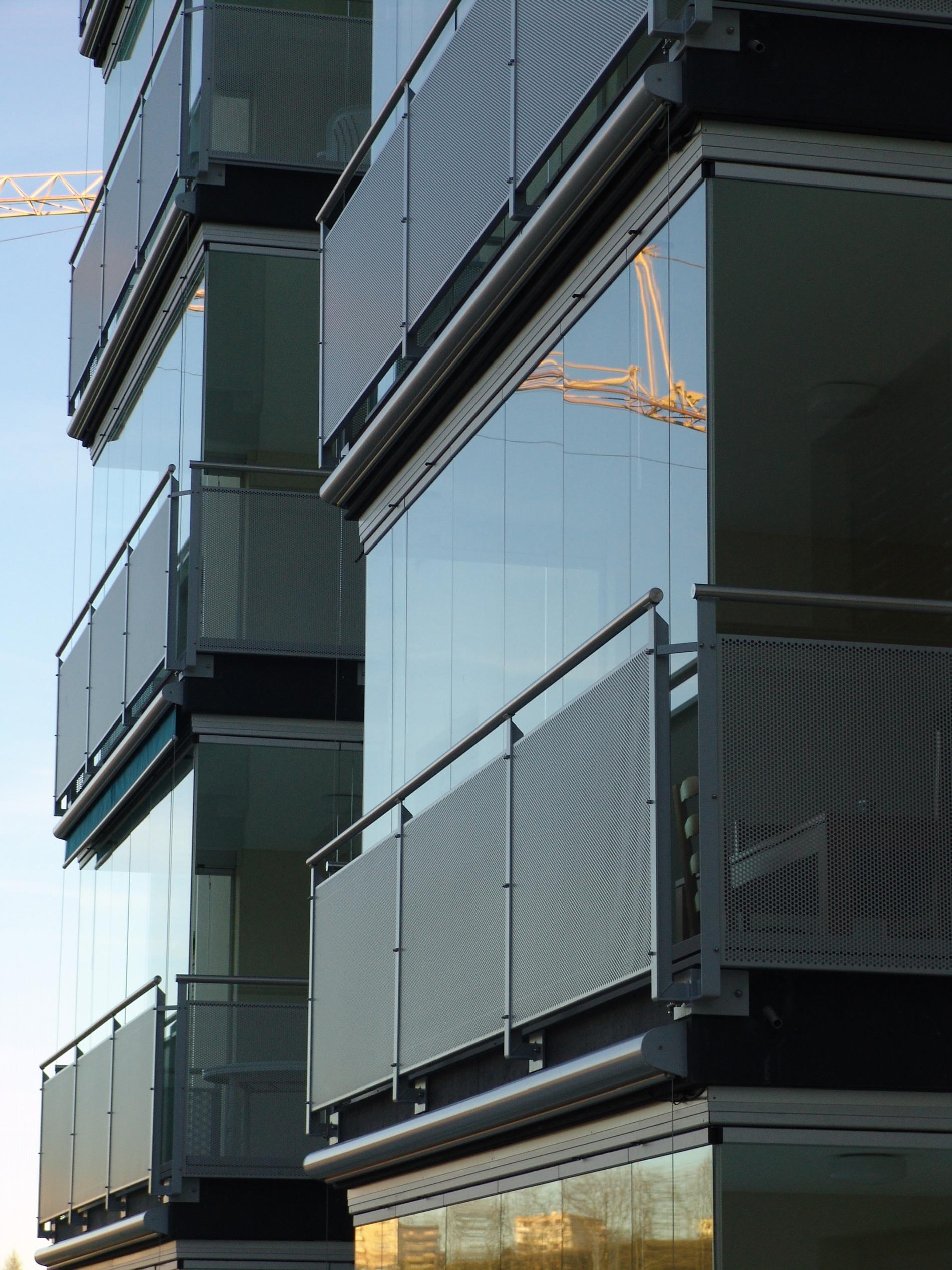 Balkon mit Glasverkleidung zum Schieben