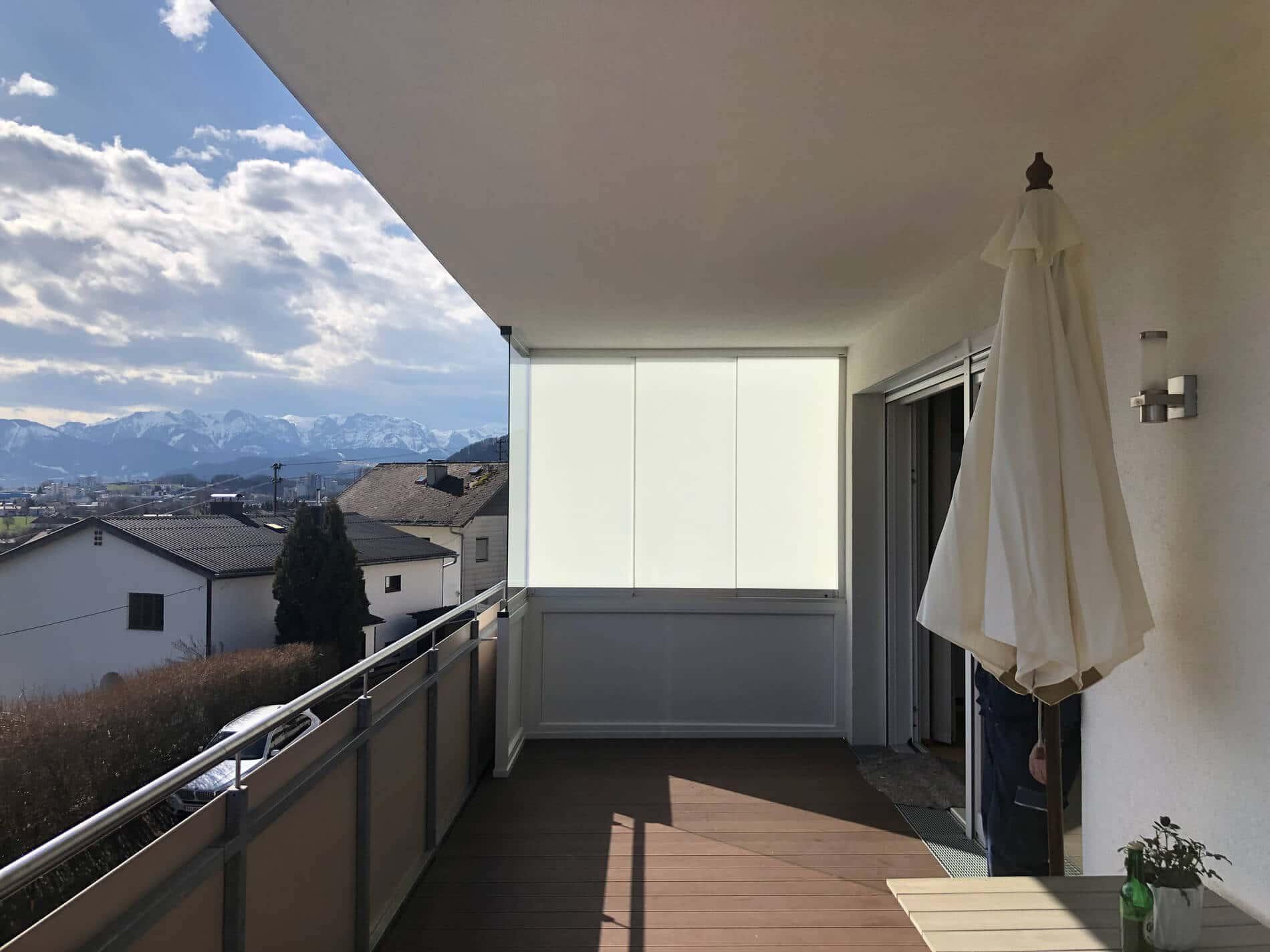Balkonverglasung als seitlicher Sichtschutz