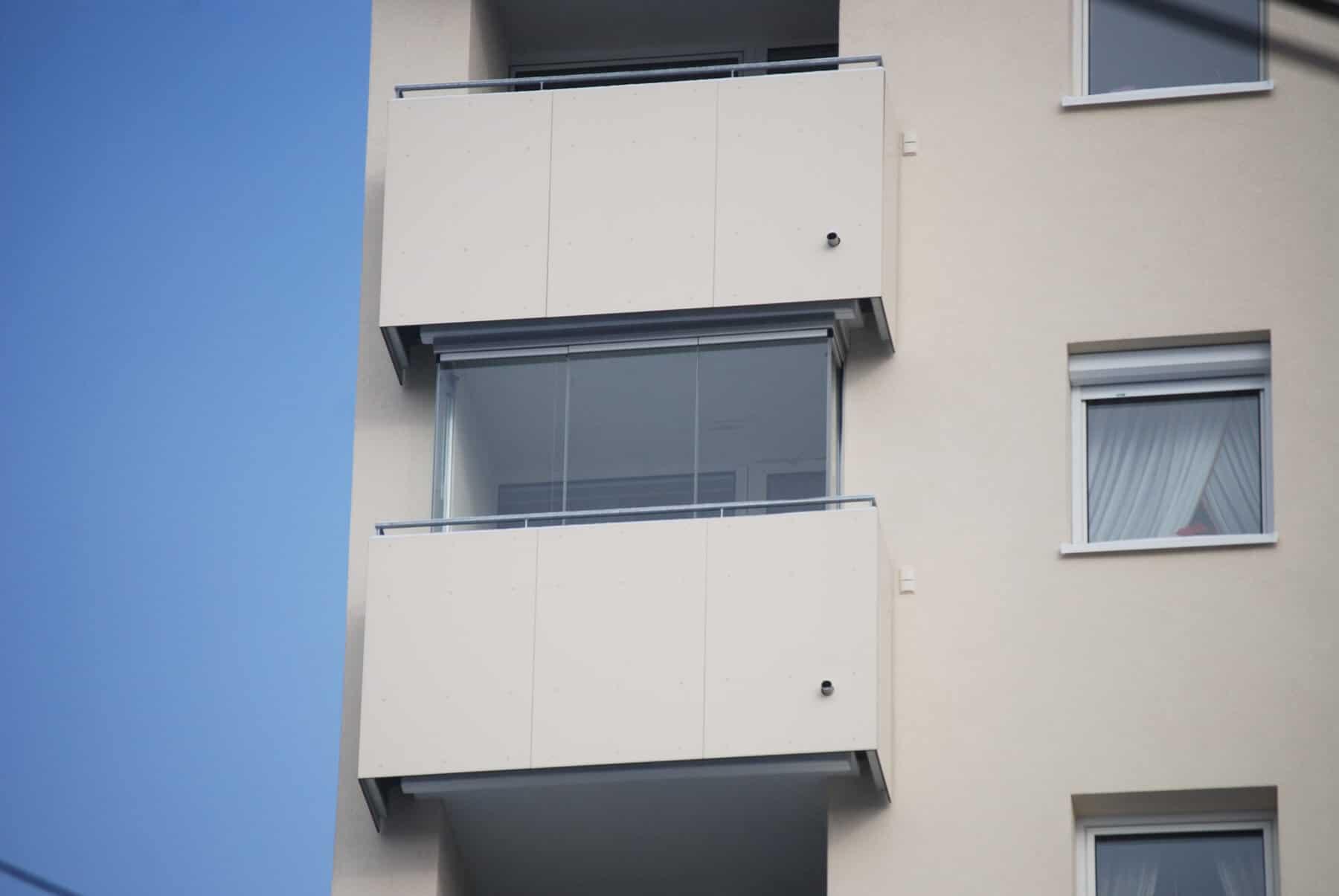 Balkonverglasung für Wohnhaus