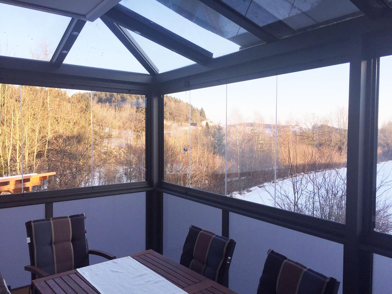 Balkonverglasung mit Schiebegläsern