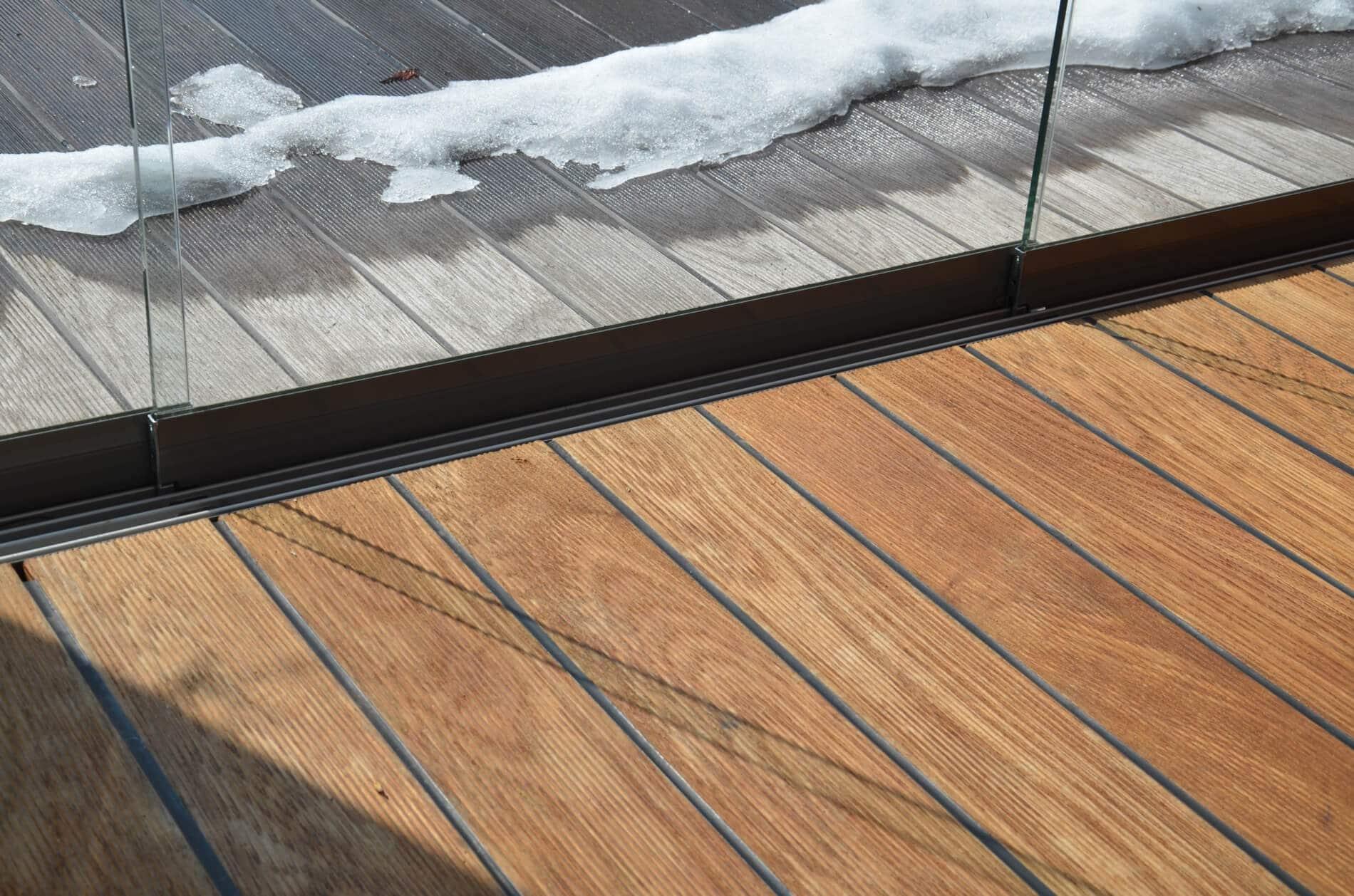 Barrierefreie Glasschiebetüren außen