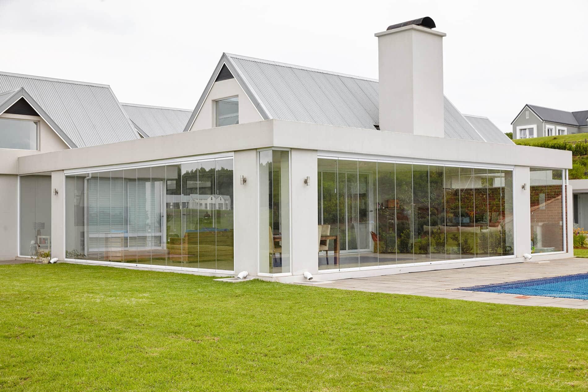 Beispiele für Glas-Faltwände Terrasse