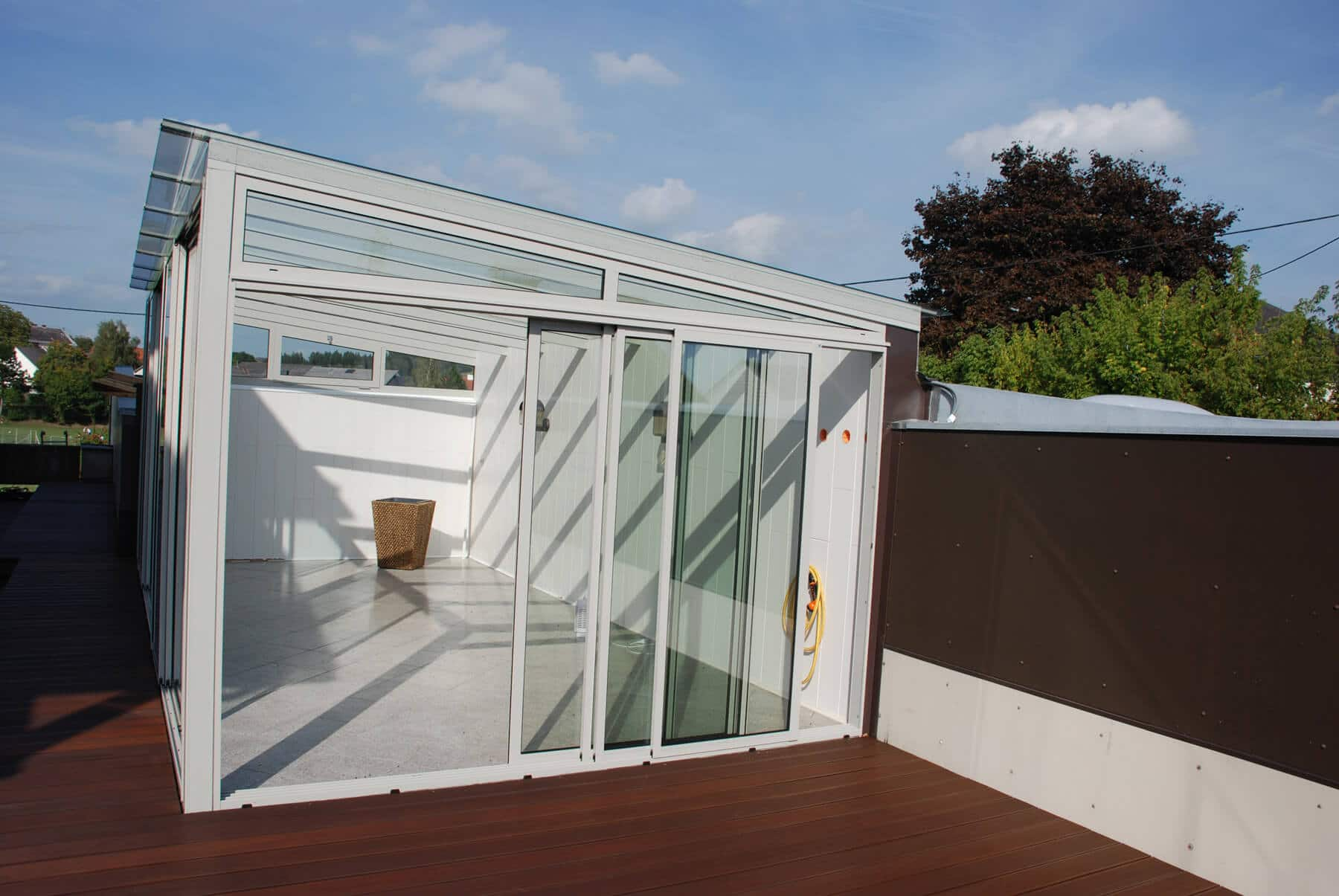 Wintergarten Falttüren falttüren glas optimaler windschutz für terrasse und balkon