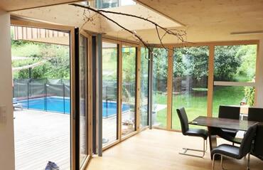 Bodentiefe Fenster und Balkontüren mit Sicherheitsglas