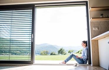 Bodentiefe Fenster + Schiebetüren
