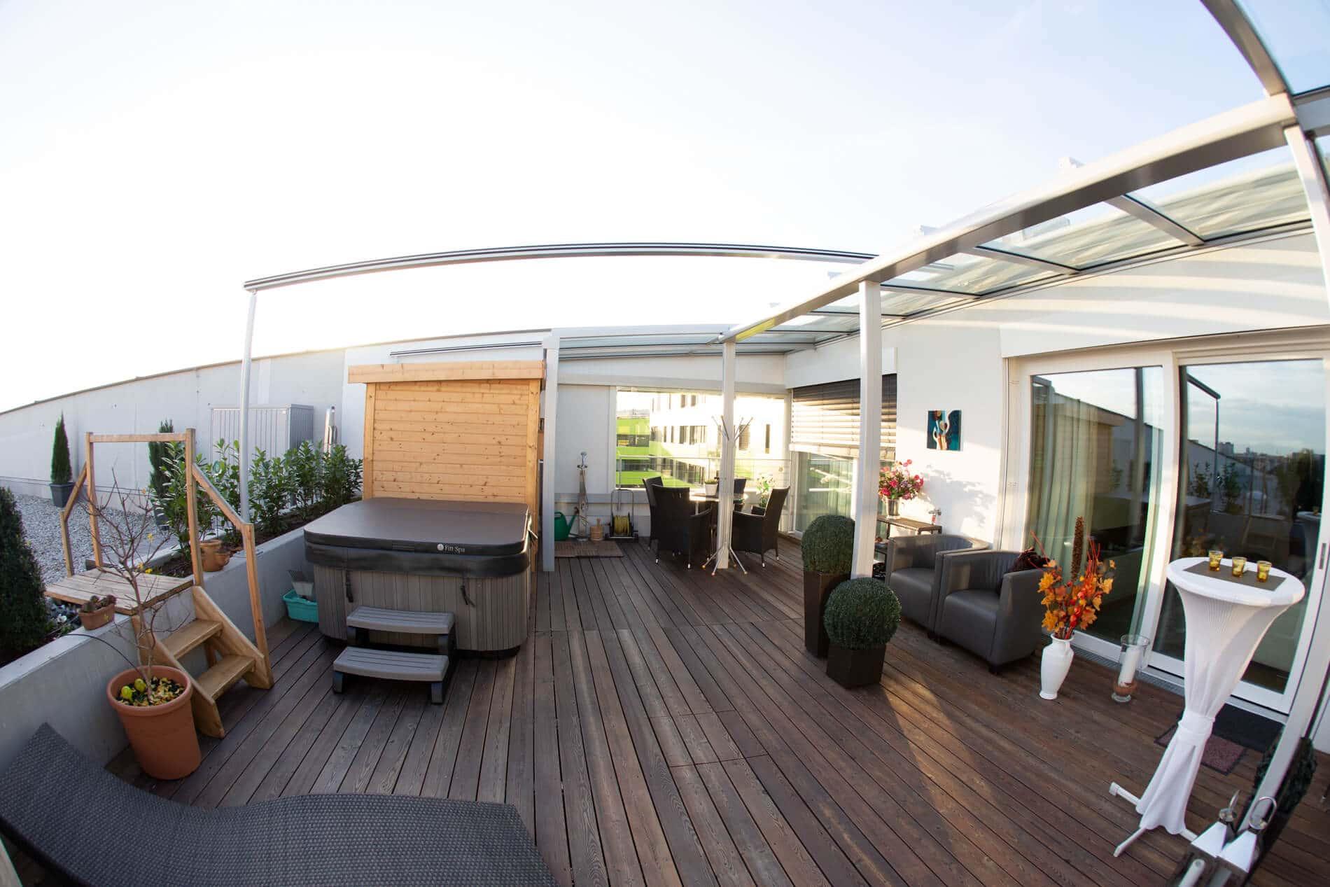 Dachterrasse mit Terrassendach