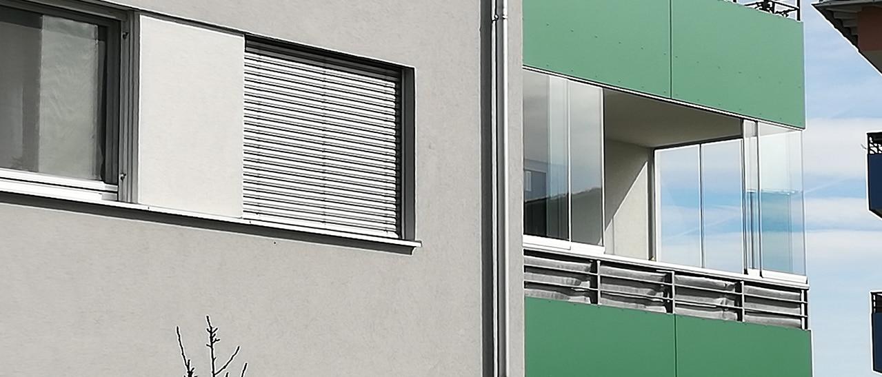 Darf ich meinen Balkon verglasen lassen?
