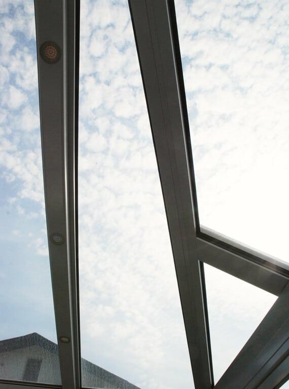 Detail Dachglas schräg