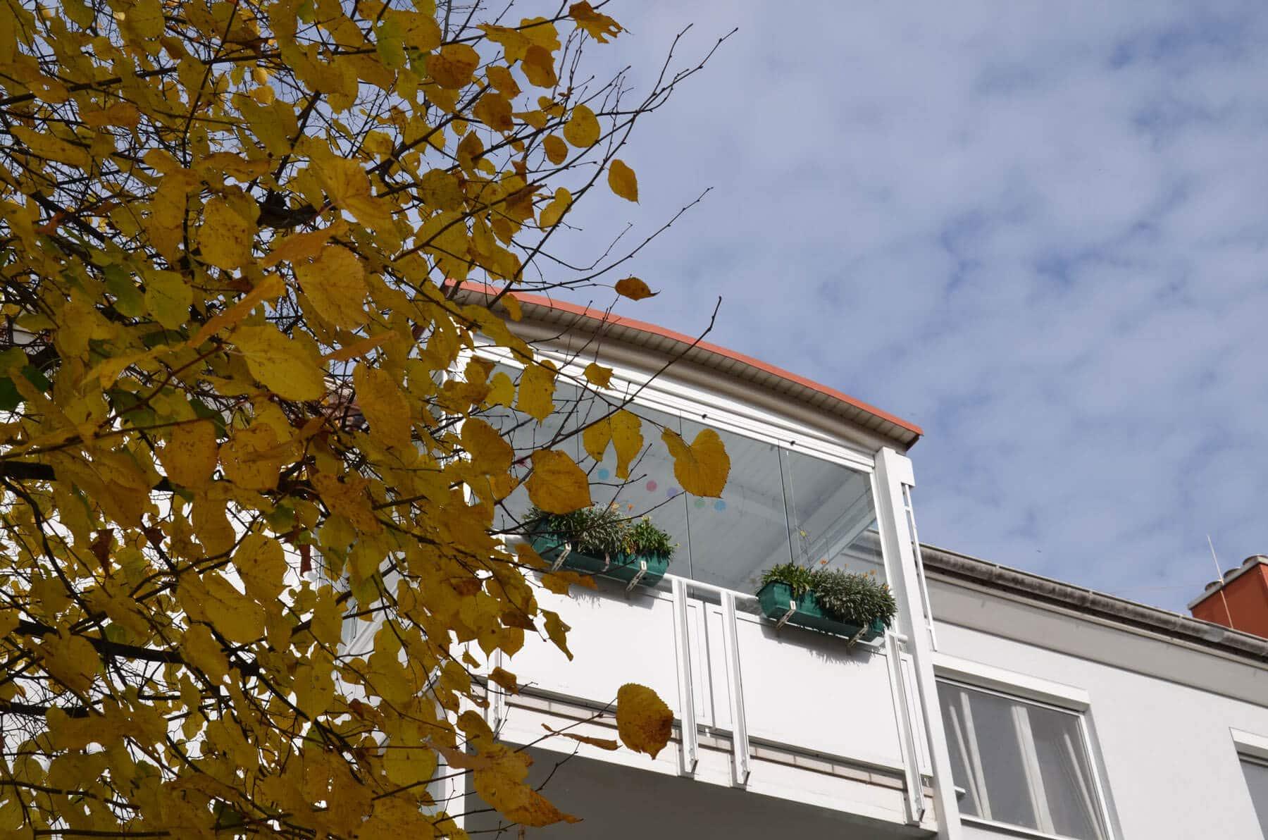 Faltelemente Balkonverbau