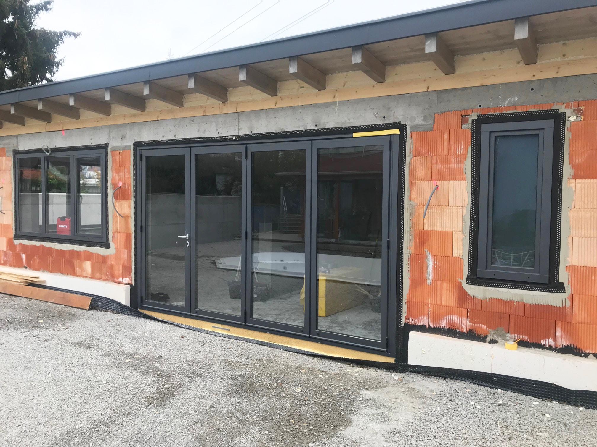 Falttüren in anthrazit für Gartenhaus