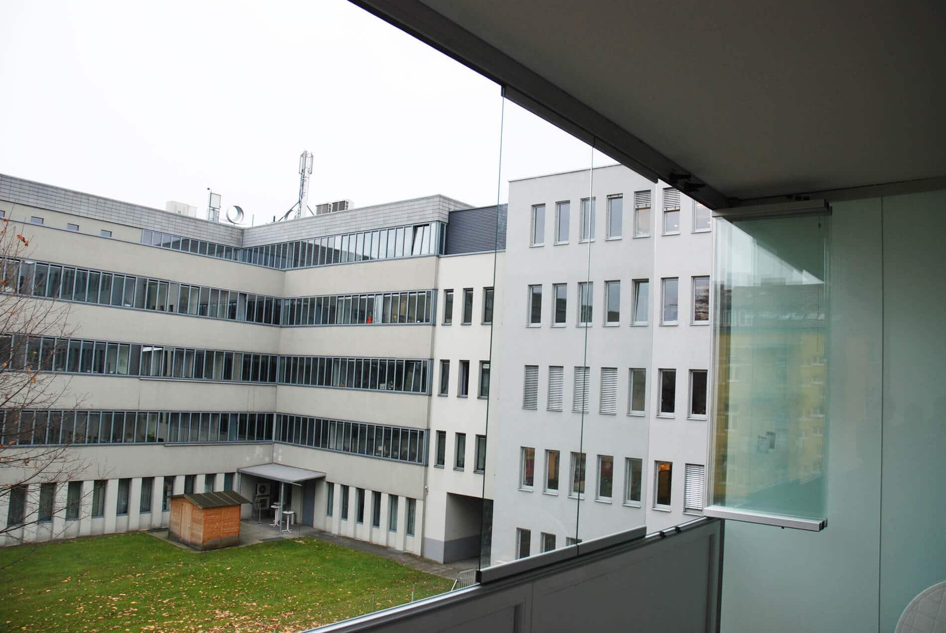 Faltwand Balkonverglasung