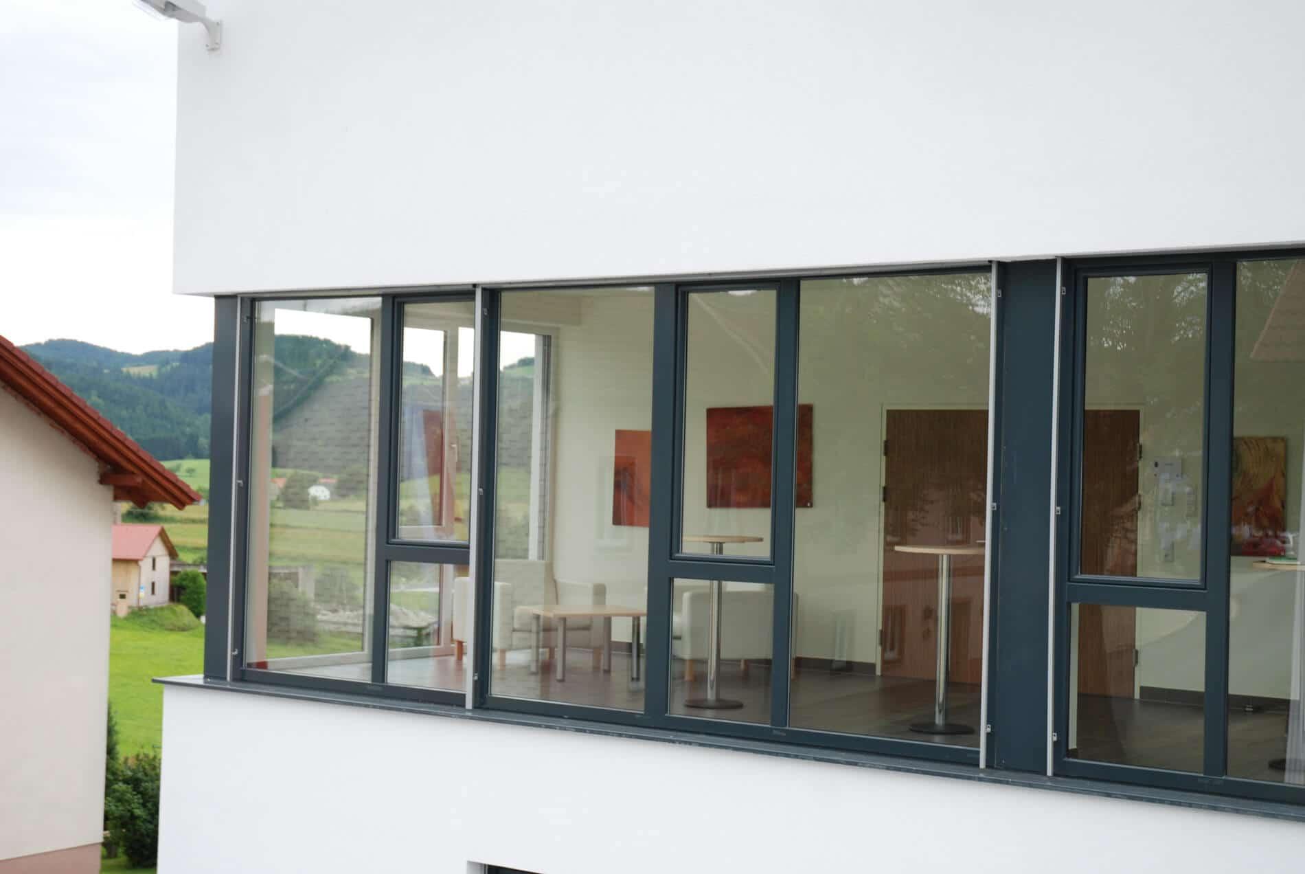 Schiebefenster f r balkon aus kunststoff fenster fenster schmidinger - Fenster innen weiay auayen anthrazit ...
