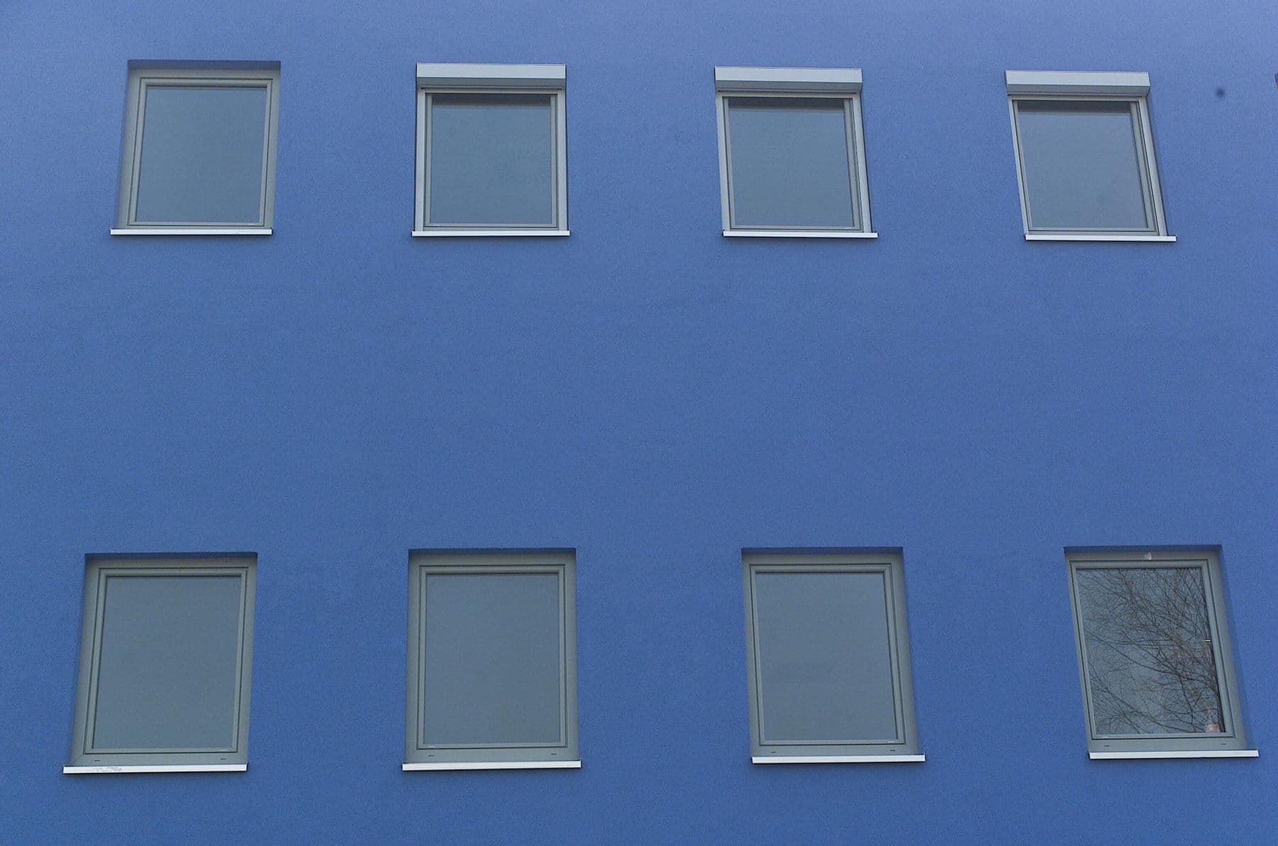 Fenster & Beschattung in grau