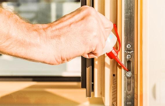 Nachjustieren Fenster & Türen