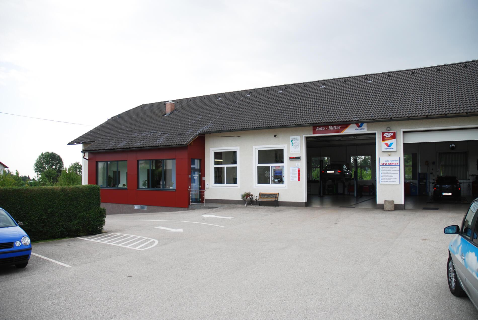 Fenster und Türen Betriebsgebäude