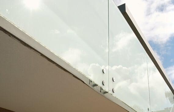 Windschutz Glas Und Sichtschutz Fur Die Terrasse Fenster Schmidinger