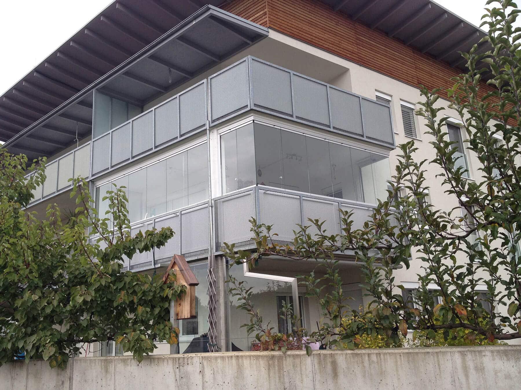 Flexible Verglasungen von Balkonen