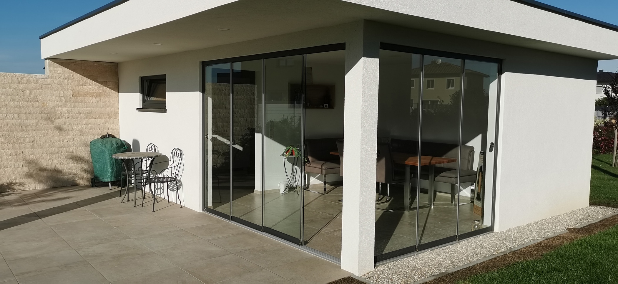 Gartenhaus Flachdach Glasschiebetüren
