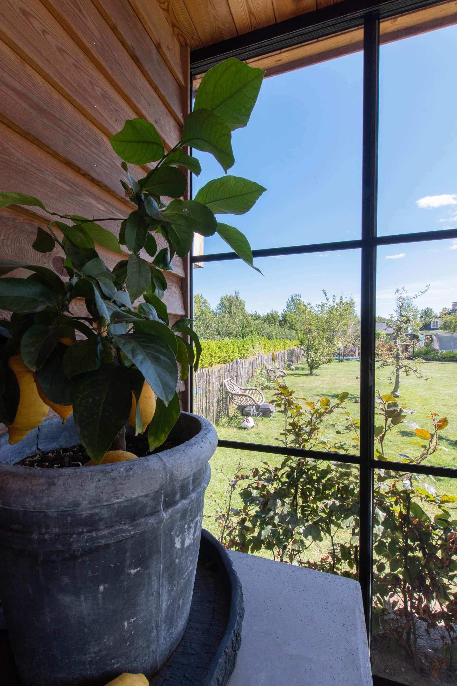 Gartenhaus mit Schiebetüren von Sunflex