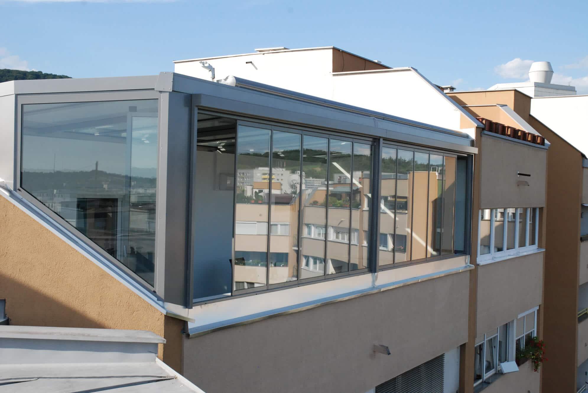 berdachung terrasse mit windschutz wintergarten schmidinger. Black Bedroom Furniture Sets. Home Design Ideas