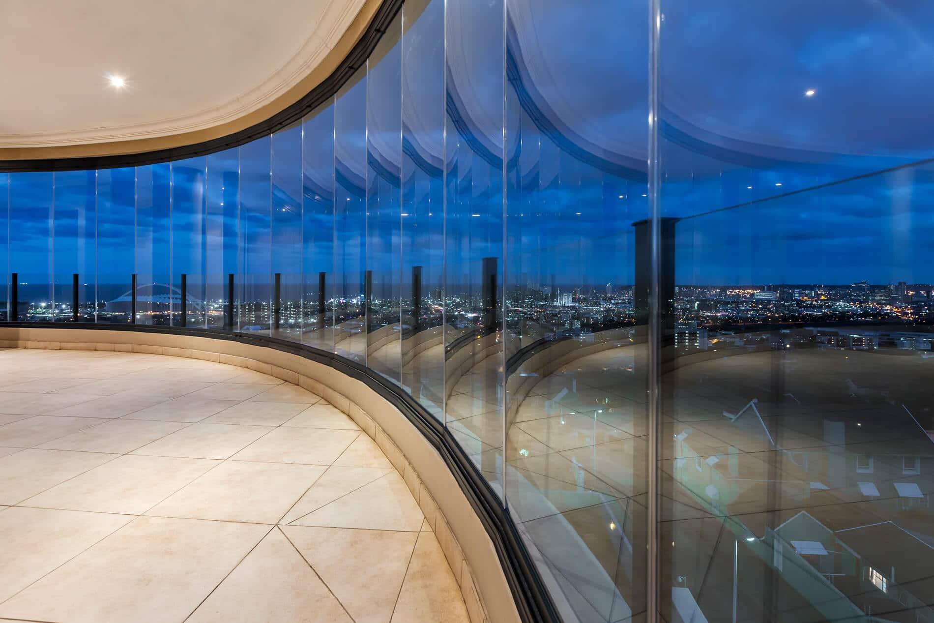 Glas-Faltwand ohne Rahmen für Balkon