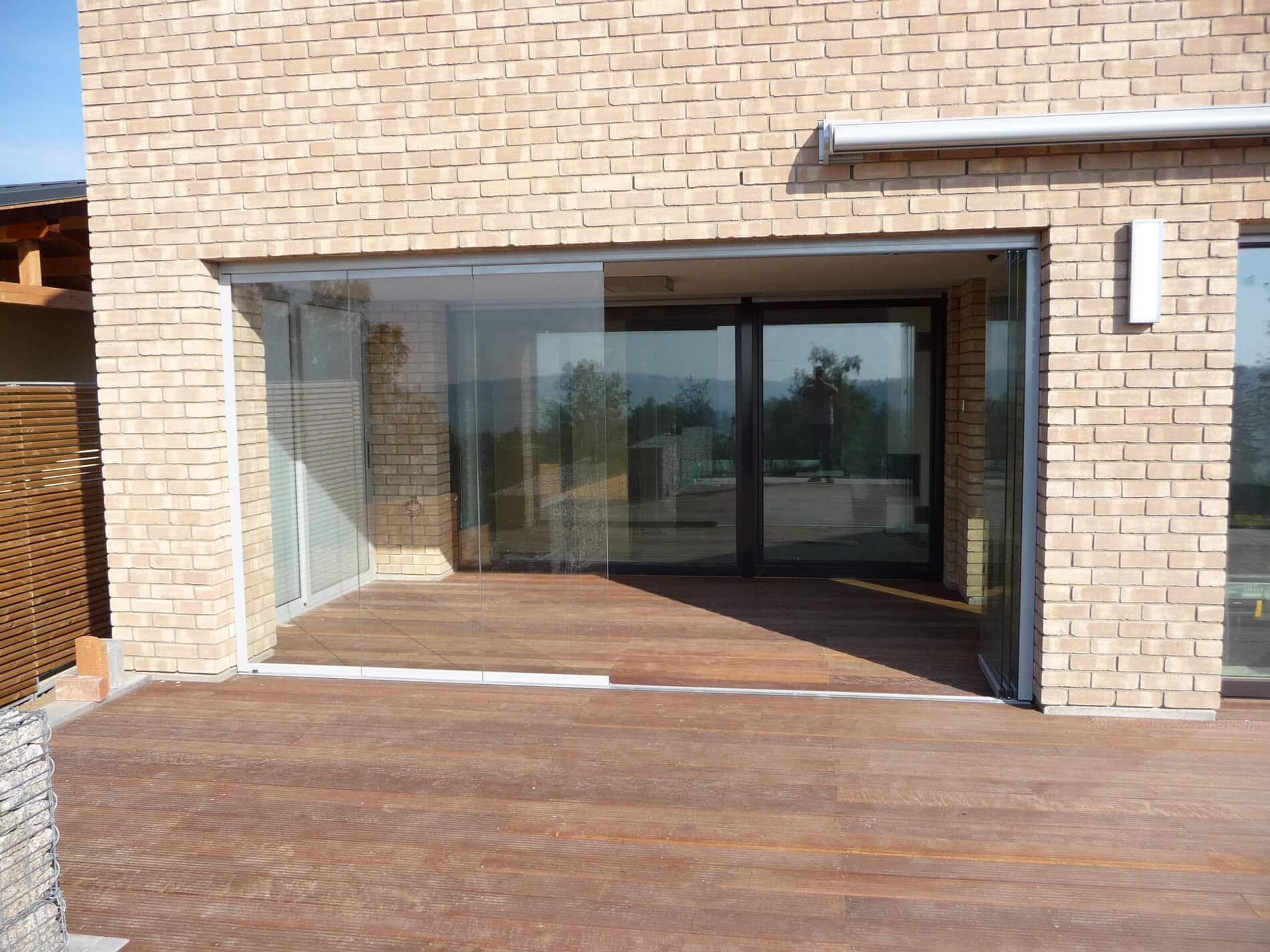 Glasfalttüren rahmenlos Außenbereich