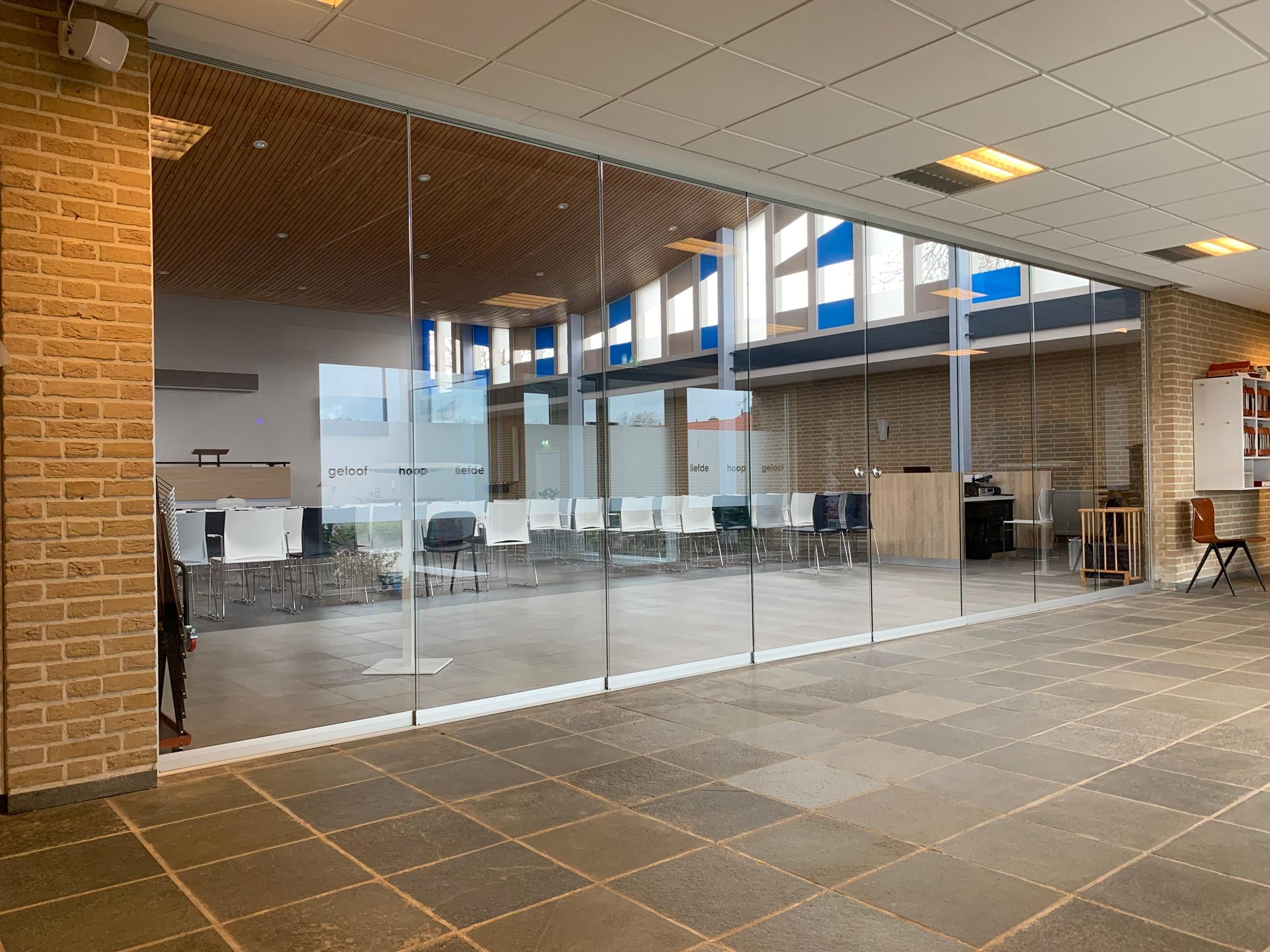 Glasschiebesystem als Raumtrennung