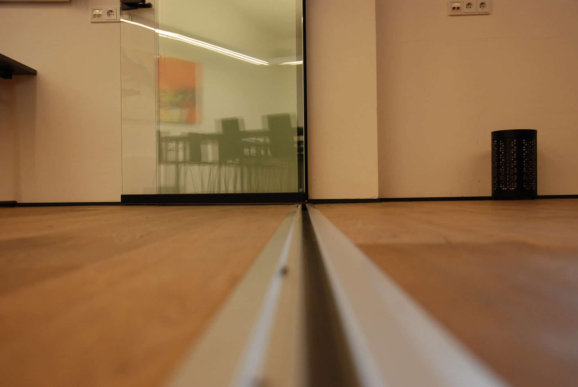 Glasschiebetür Raumteiler