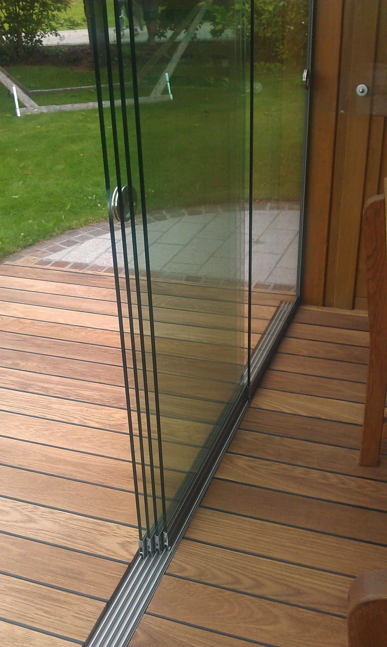 Glasschiebewand für Terrasse als Windschutz | Sunflex Typ ...