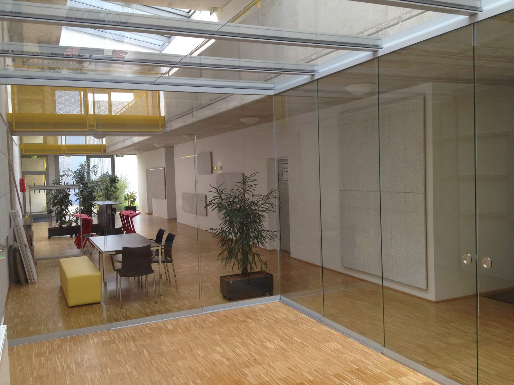 wintergarten aus holz glas fenster schmidinger. Black Bedroom Furniture Sets. Home Design Ideas