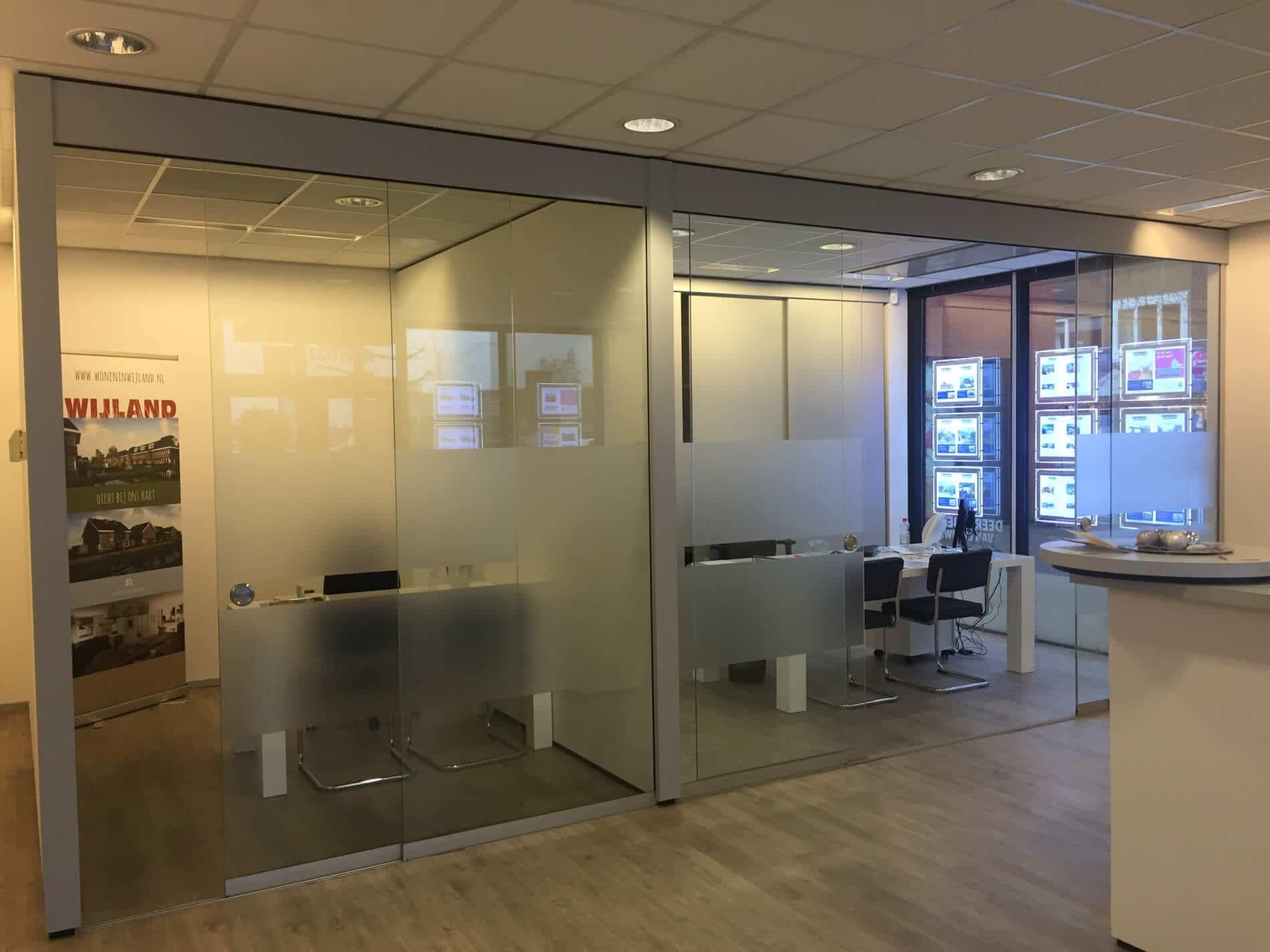 Glasschiebetüren für den Innenbereich - Glas-Abtrennung