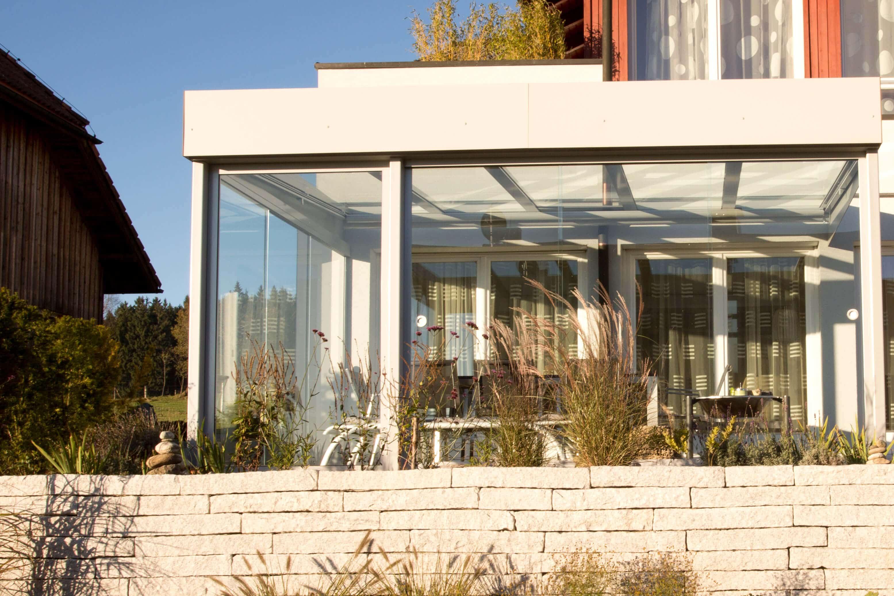 Glasschiebetüren zum Absperren für Sommergarten