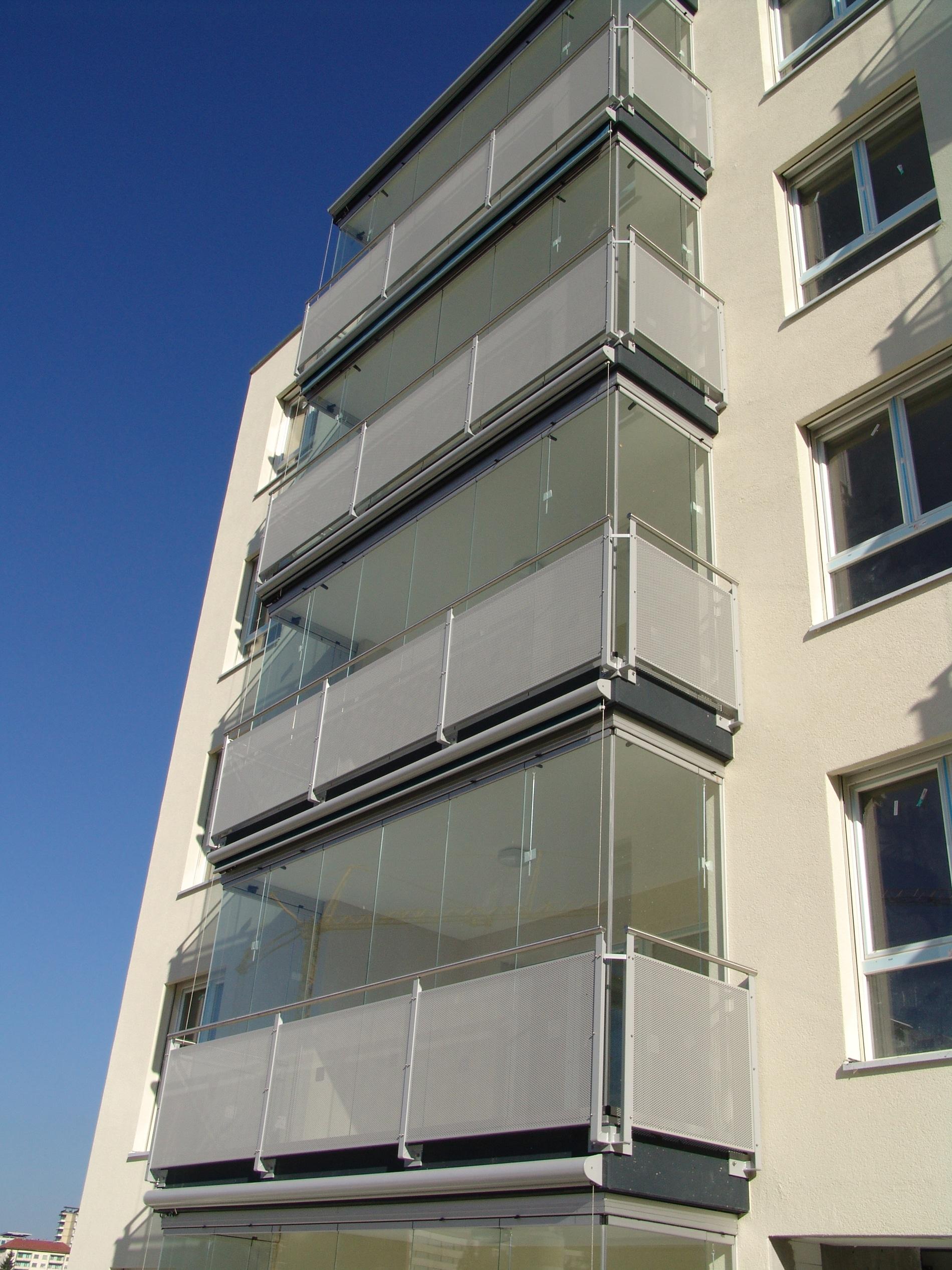 Glasschiebewand Balkon