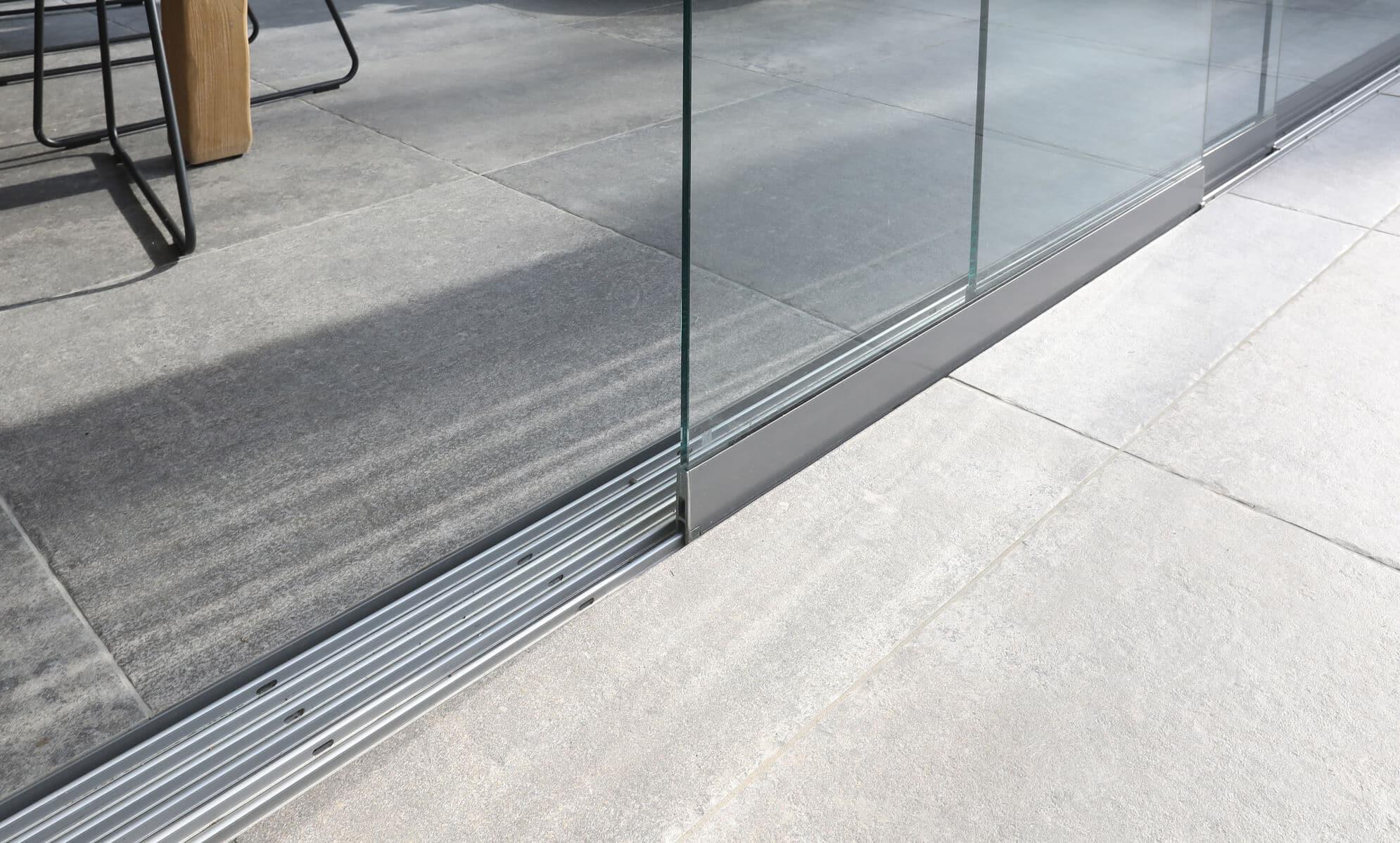 Glasschiebewand barrierefrei für Wintergarten
