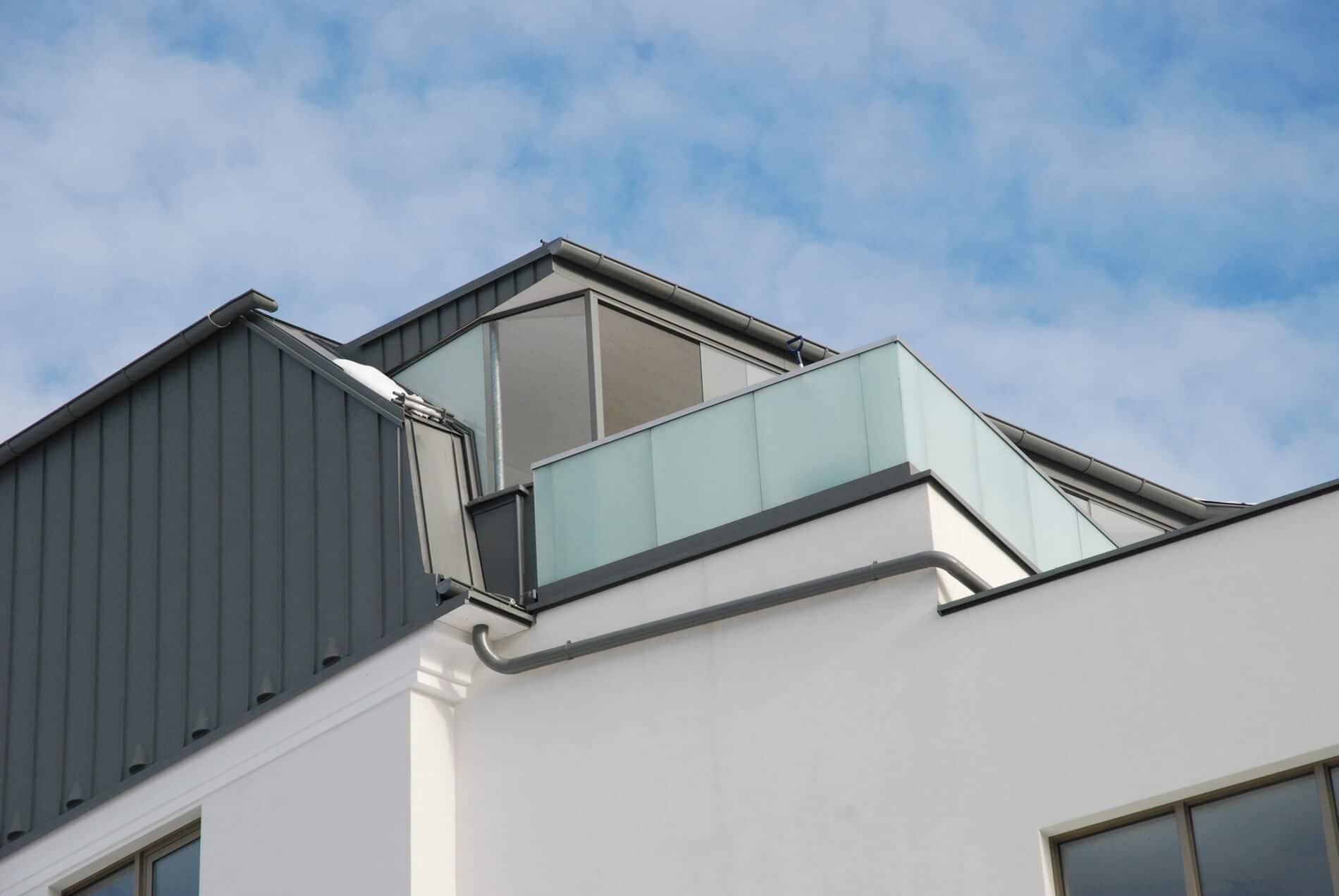 Glasschiebewand Terrasse als Windschutz