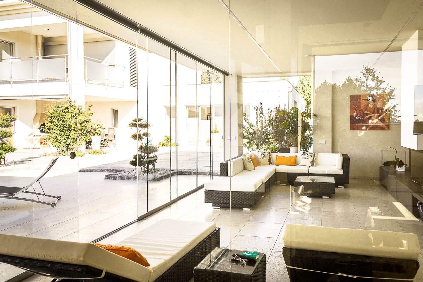Glastüren Poolhaus