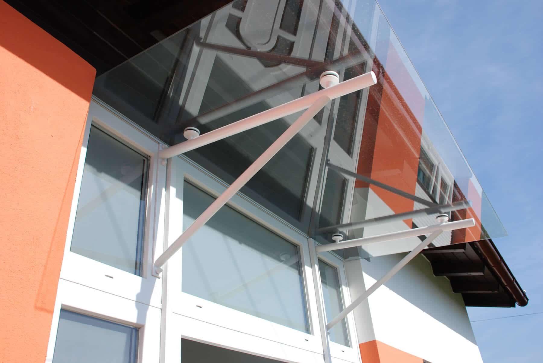 Glasvordach für Hauseingang
