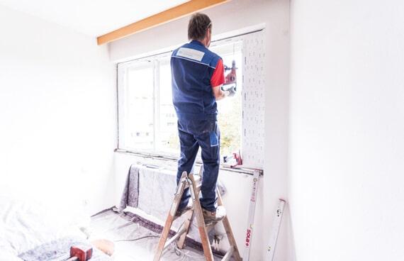 Handwerker Fenstermontage