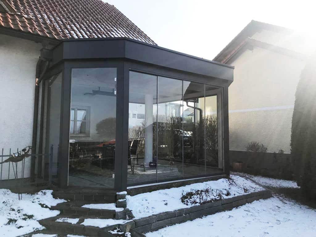 Holz/Alu Wintergarten mit Schiebetüren