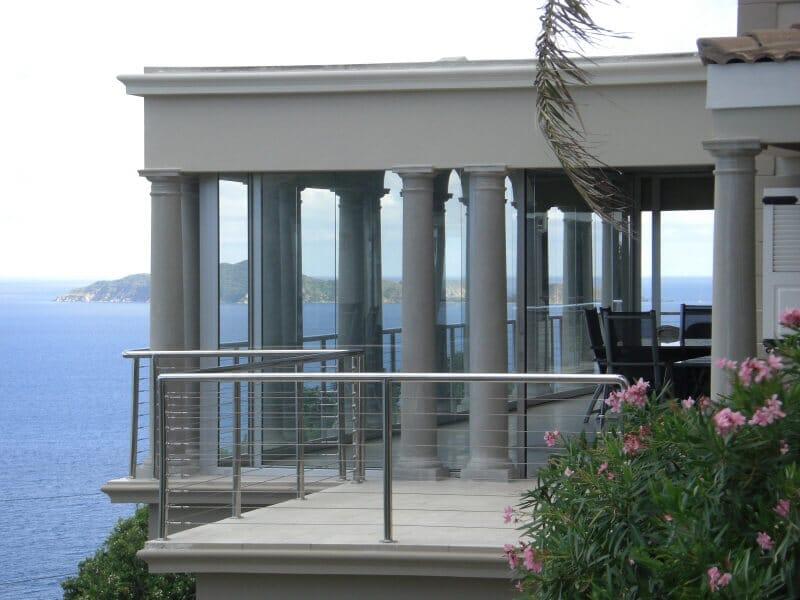 Horizontal Schiebe-Wände auf Terrasse als Windschutz