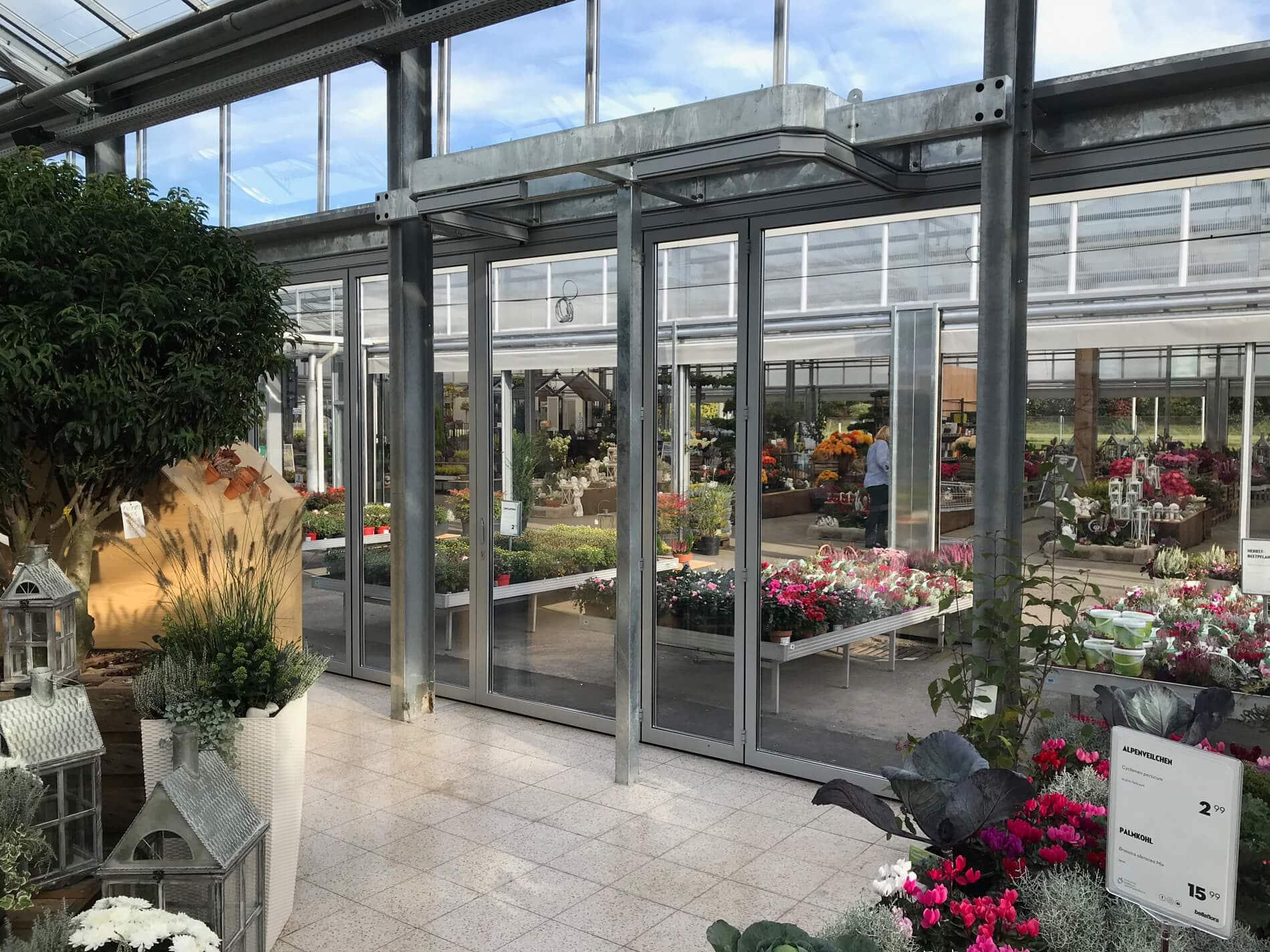 Horizontal Schiebeverglasung für Gartencenter OÖ