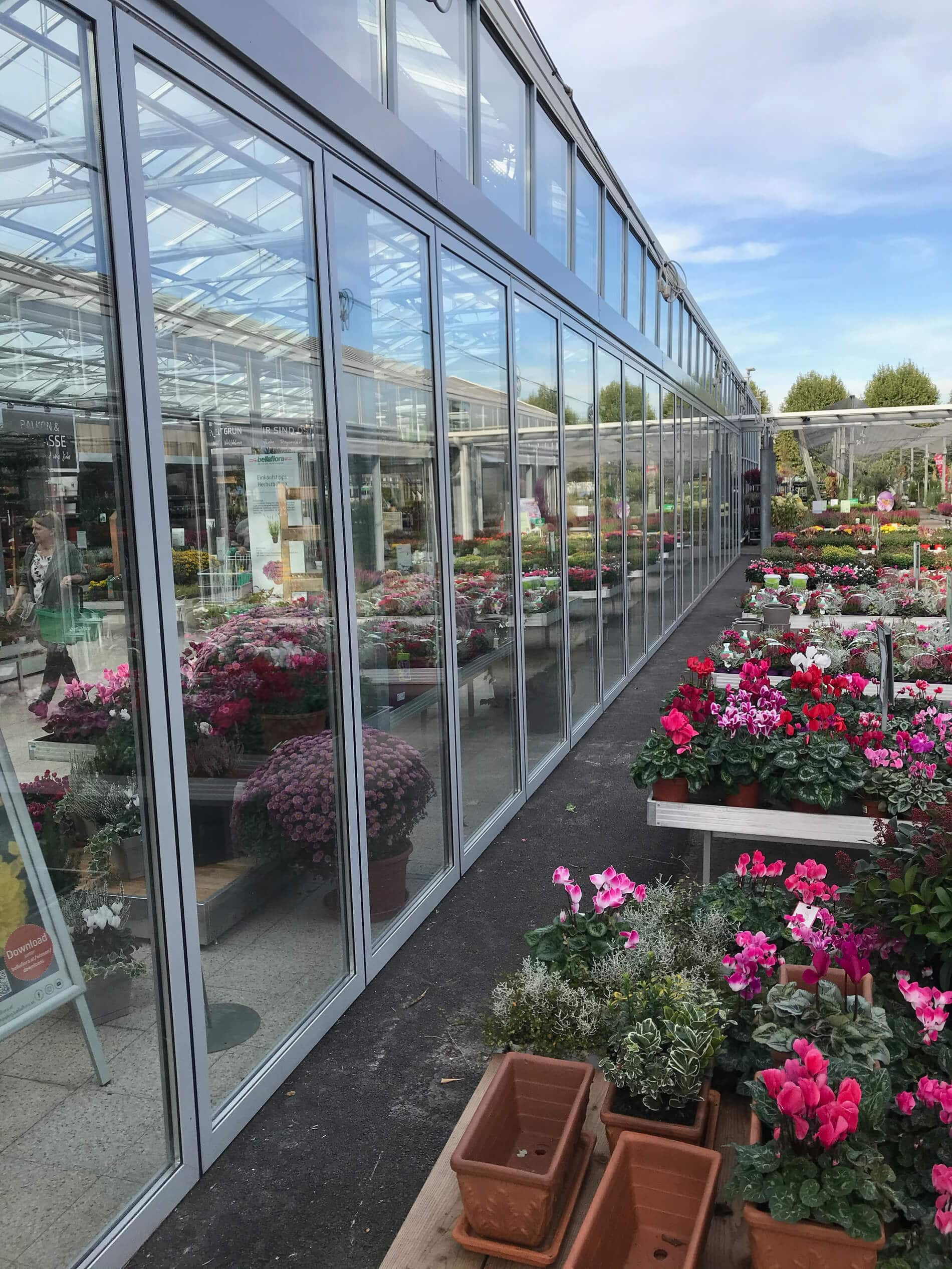 Horizontal-Schiebewand Alu & Glas für Gartencenter