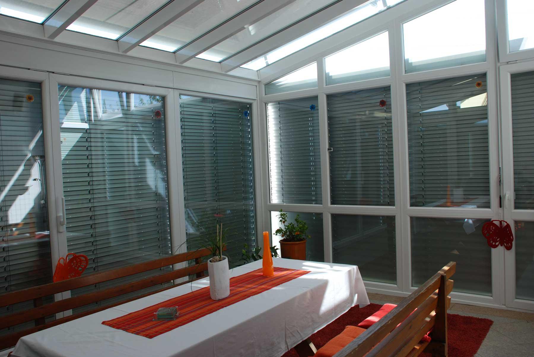 Kunststoff-Aluminium Wintergarten in weiß