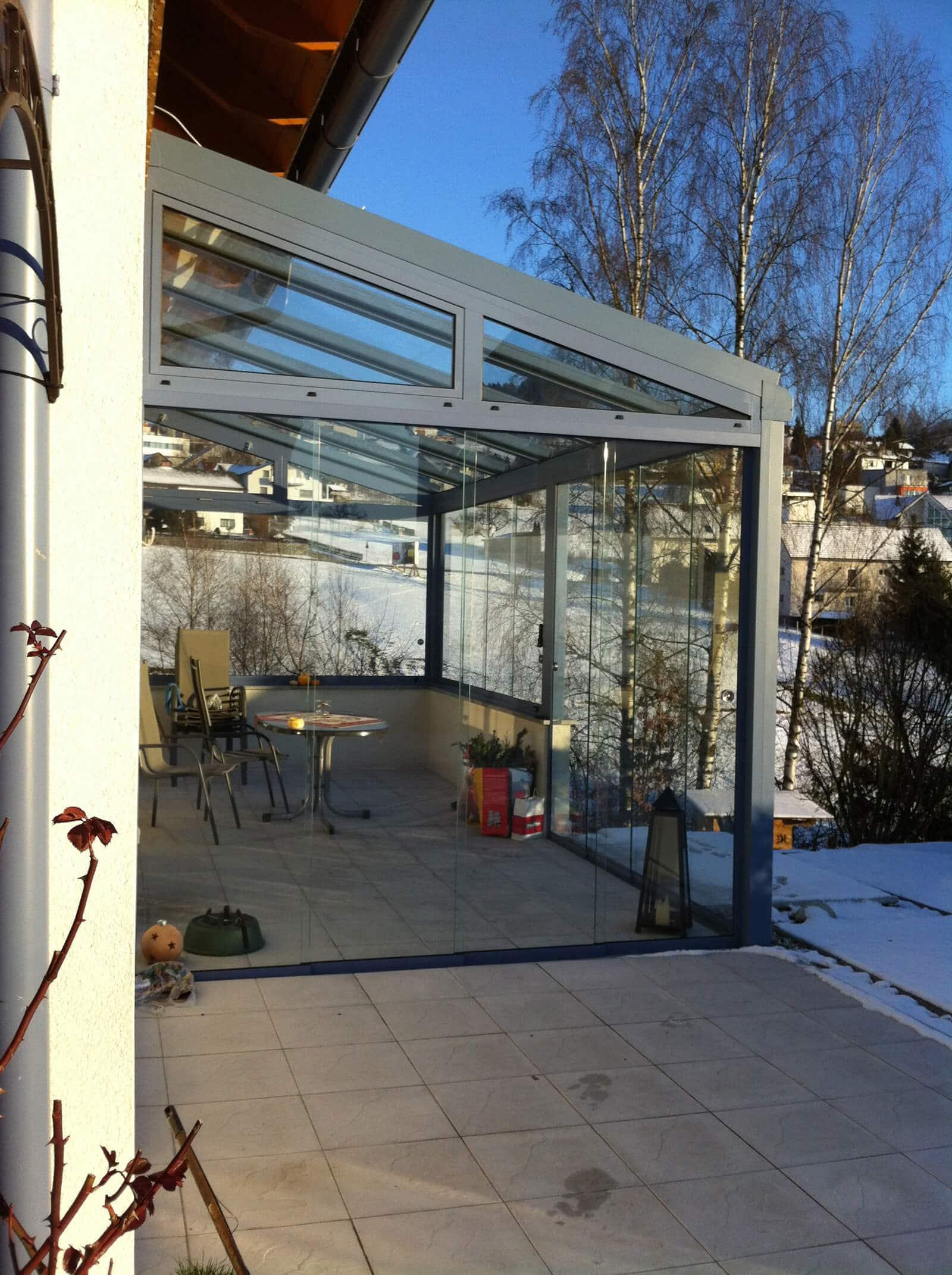 Moderne Terrassenüberdachung in Aluminium